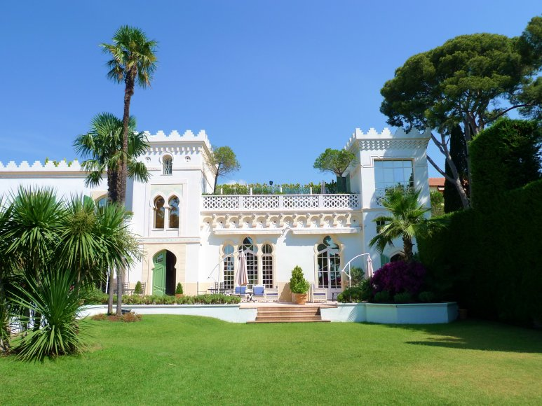 Moorish villa Saint Raphael French Riviera